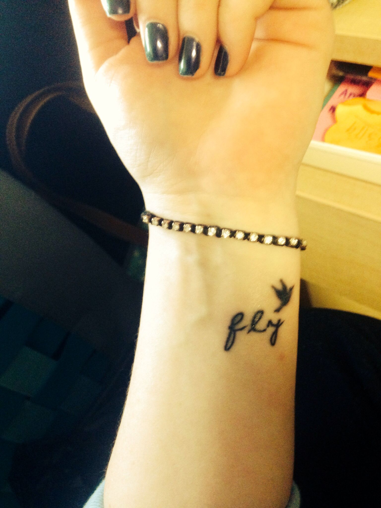 Small bird wrist tattoo | Tattoo | Pinterest | Bird wrist ...