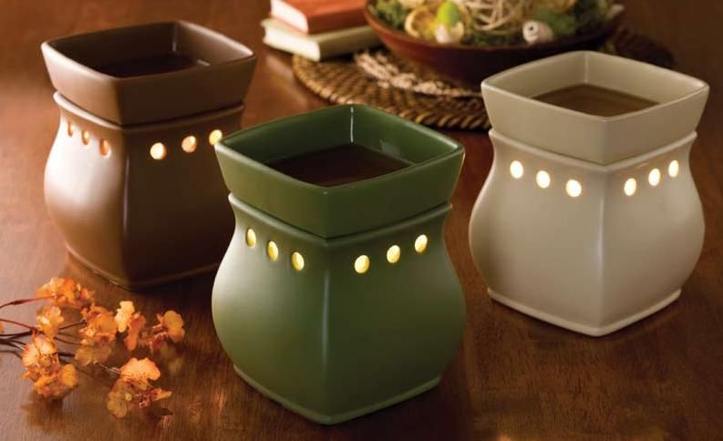 I have the green one and I LOVE it!!  It matches every season of decor and keeps my home smelling mmmmmm.