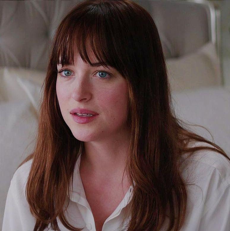 Dakota Johnson As Anastasia Steele Fifty Shades Of Grey Cinquenta