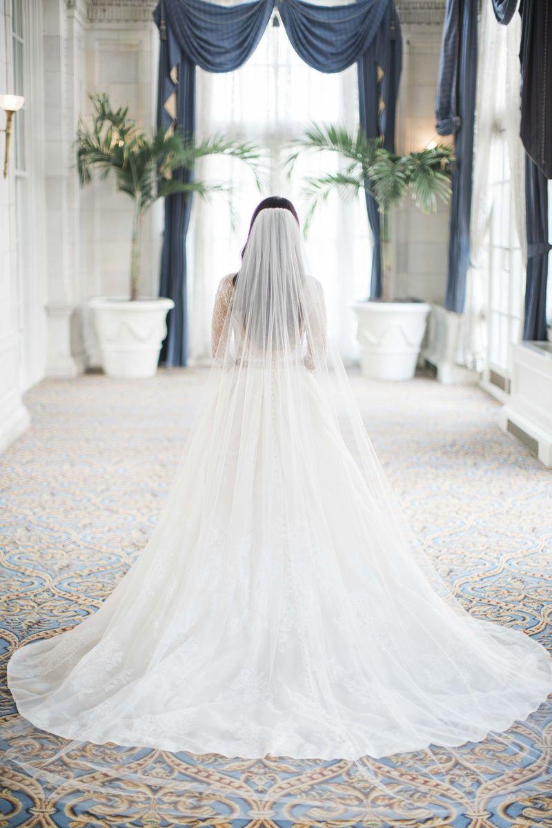 Monique Lhuillier Plain Catherdral Veil Monique Lhuillier Lace A Line Wedding Dress Wedding Dress With Veil Long Veil Wedding Wedding Vail [ 1199 x 800 Pixel ]