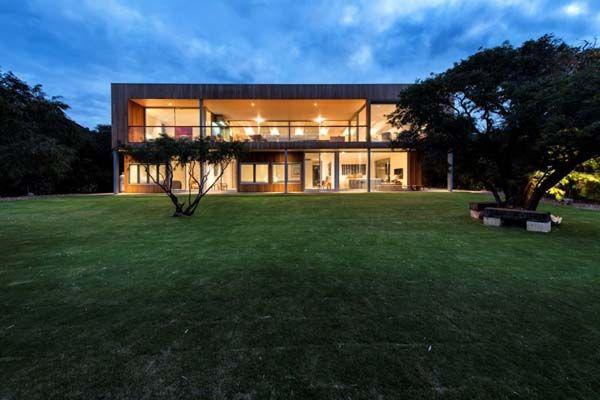 Breathtaking Eagle Bay beach house in Western Australia