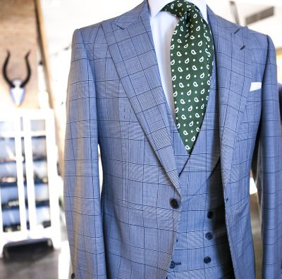 If you are going to get married, order a bespoke morning suit in our tailoring service / Si te casas pronto, encarga tu chaqué a medida en nuestras sastrerías: MADRID: C/ Claudio Coello, nº65. T: 915 63 30 68BILBAO: C/ Iparraguirre s/n esq. Rodriguez Arias. T:944 77 26 26PARIS: 18, rue des Quatre-Vents. 75006. T: 0033 9 67 24 79 14