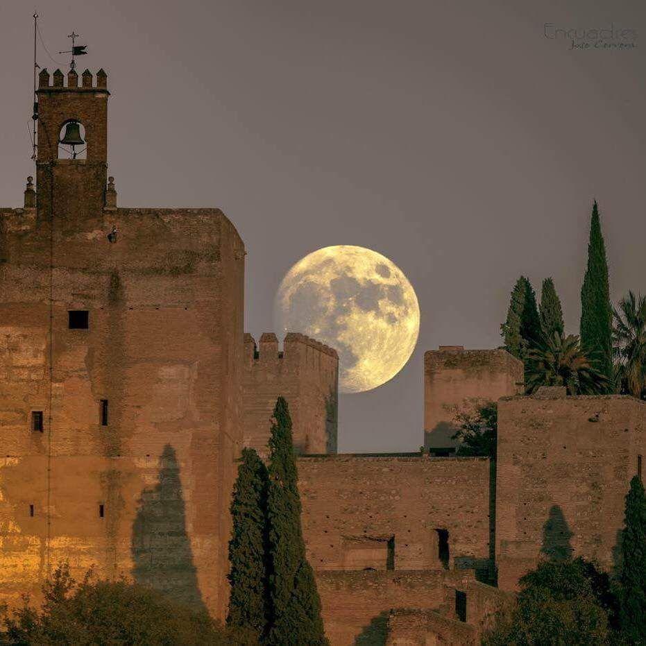 Alhambra Sage Granada Park Alhambra Ca: Foto De La Super Luna, Alhambra, Granada (1) Twitter