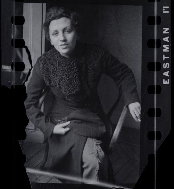 Gerda Taro, photo by Fred Stein