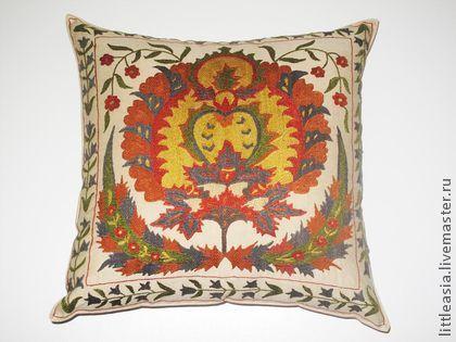 Купить Медальон османский мотив в вышитой подушке - бежевый, вышитая наволочка, декоративная подушка