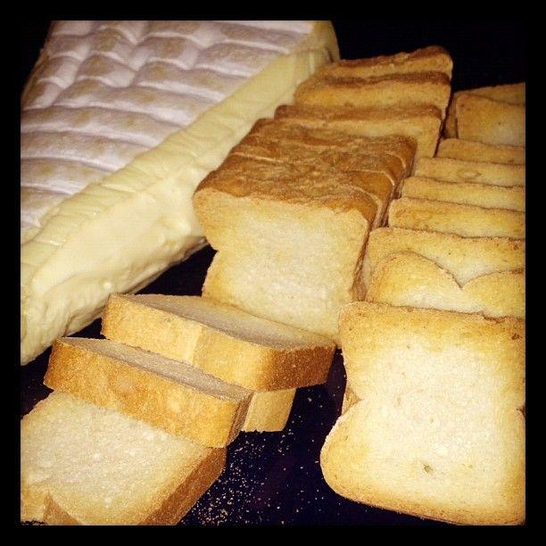 d'affinois and mini toast