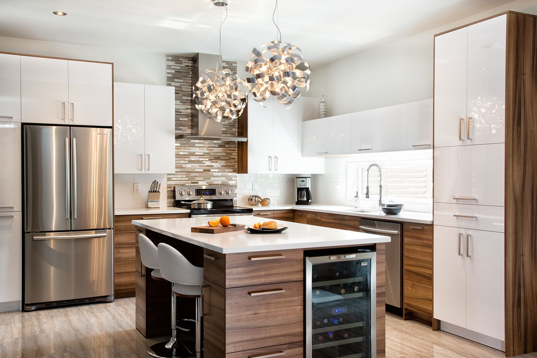 Cuisine Contemporaine 2 Tons Decorate De Maison In 2018