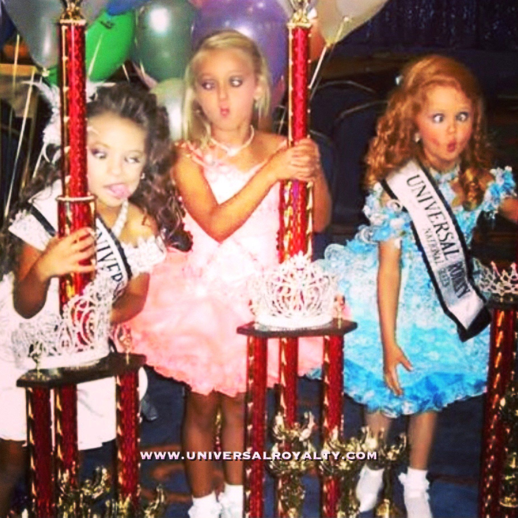 let us crown you miss universal royalty® and win 10 000 cash on pageant girls are always having fun at universal royalty® beauty pageant universalroyalty com