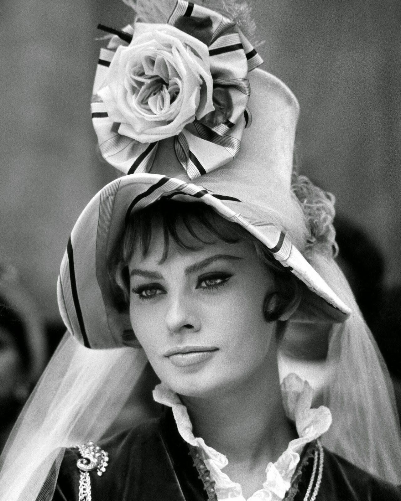 Pin by M Angeles Lopez on ** F@mous h@ts **   Sofia loren
