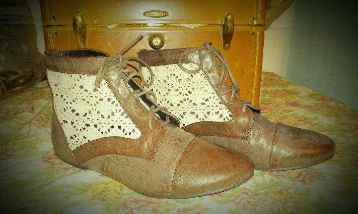 Oxford boots with crocheted lace <3
