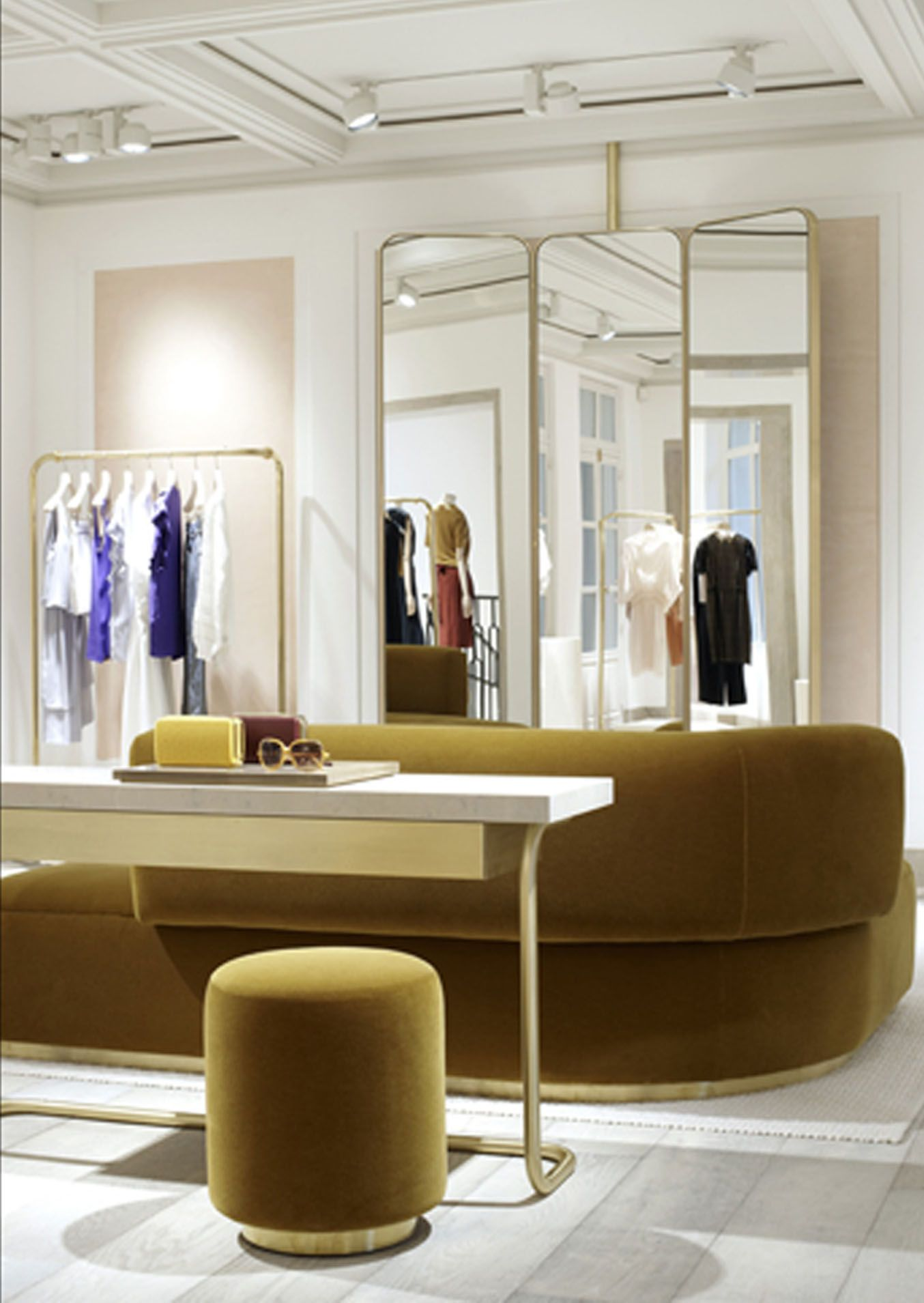 What A Great Set Up For A Luxurious Dressing Room At