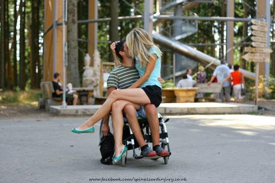 Cadeirantes em Foco: Cadeirante apaixonado