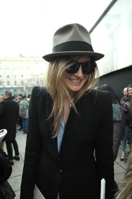 death-by-elocution:  With the hat to match.