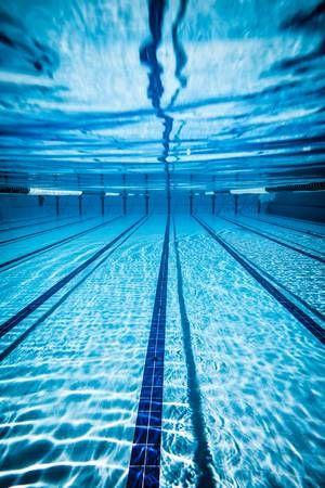 Photo of Schwimmbad unter Wasserhintergrund