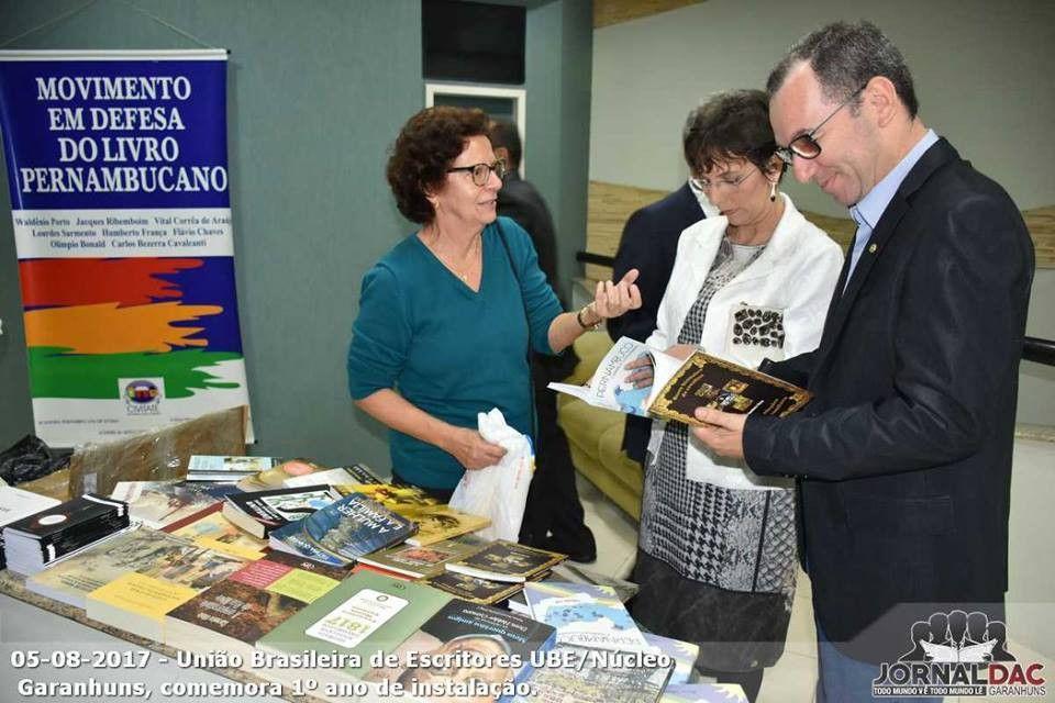 União Brasileira de Escritores celebra um ano do Núcleo em Garanhuns FOTOS DAVID MELO https://blogdoronaldocesar.blogspot.com.br/2017/08/uniao-brasileira-de-escritores-celebra.html              SIGA O BLOG!