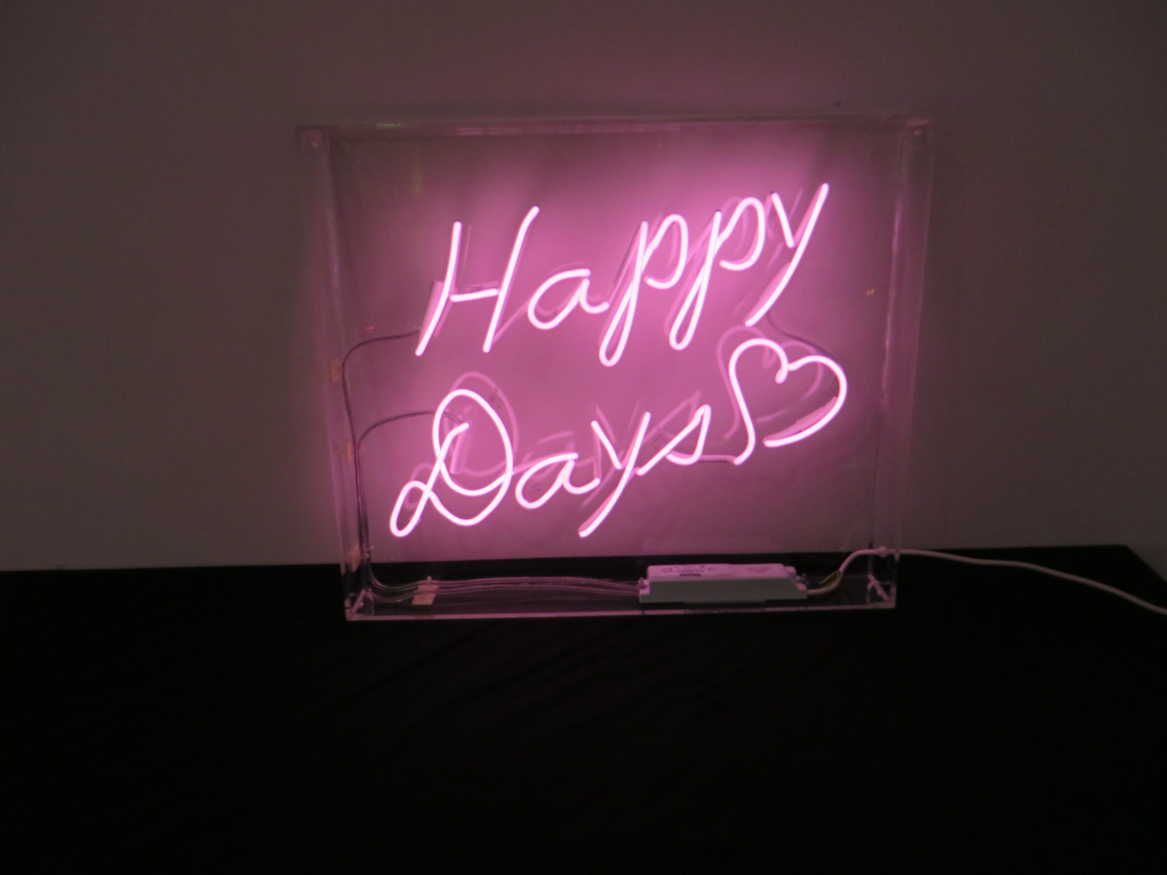 Happy Days Pink Neon Light Www Neoncreations Co Uk Neon Signs