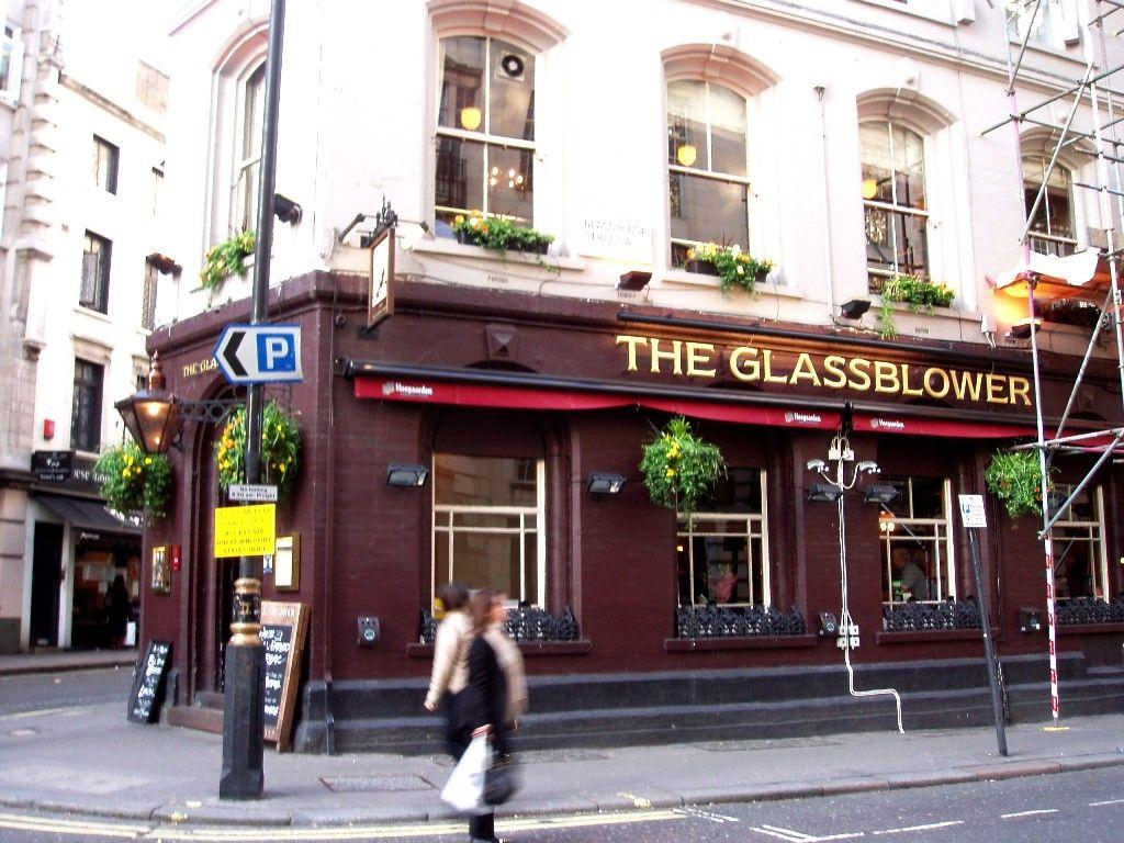 Bars Near Piccadilly Circus >> Glassblower Pub Near Piccadilly Circus I Worked Here For A