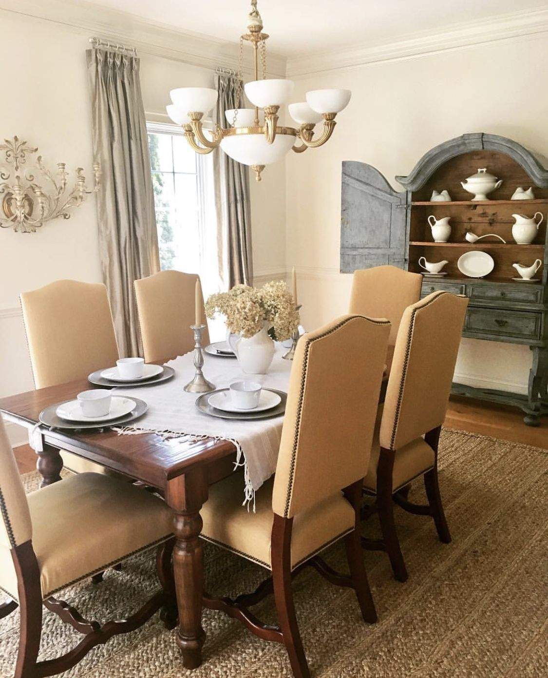 Mixed Finishes In The Dining Room With Images Room Dining