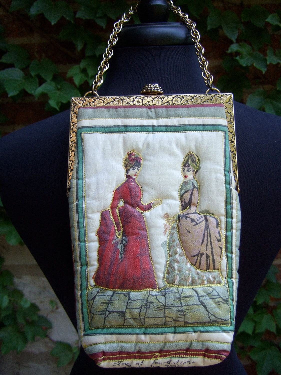 Vintage Quilted Cloth Illustrated Women by worldmarketproductio