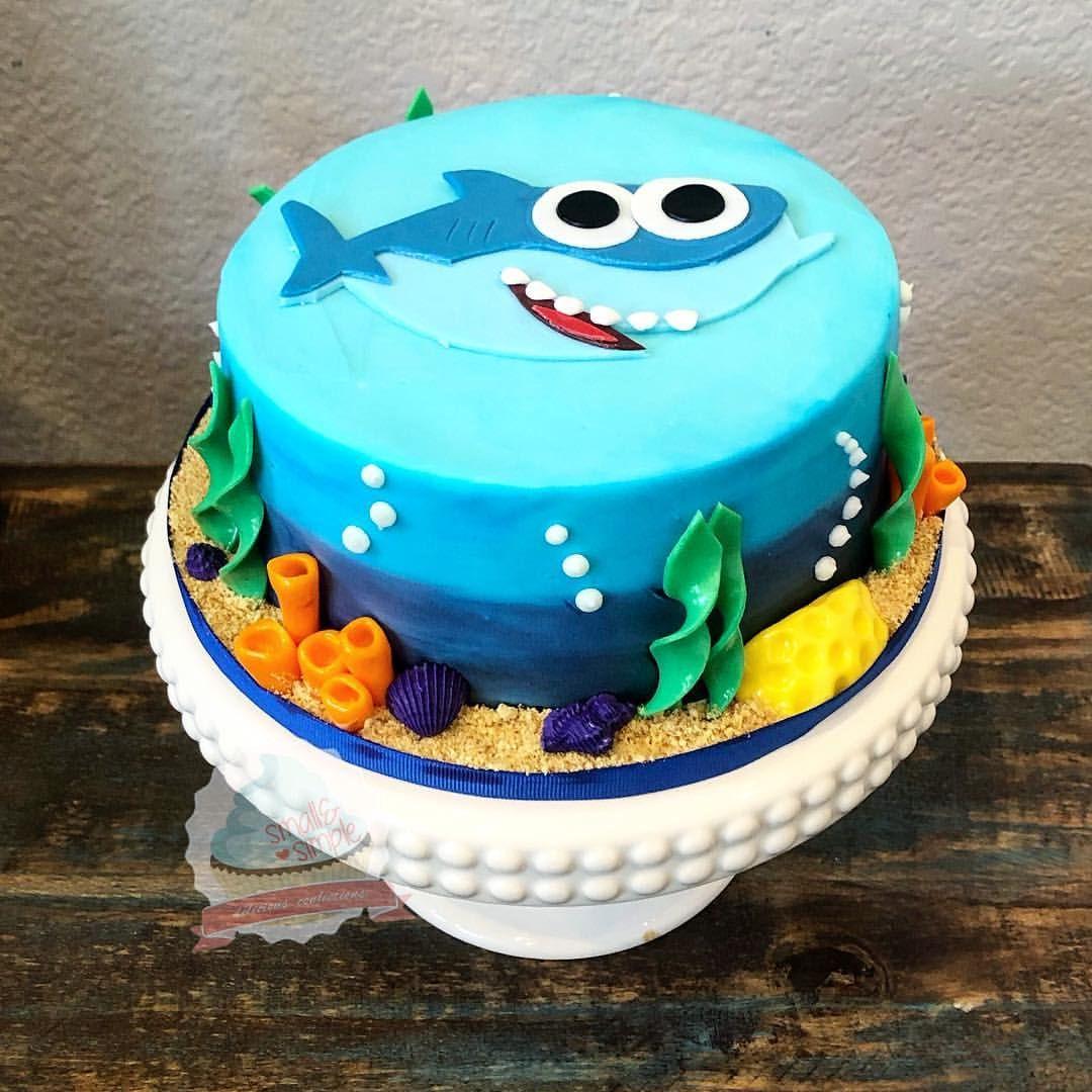 Baby Shark Doo Doo Doo Doo Doo Doo Smash Cake