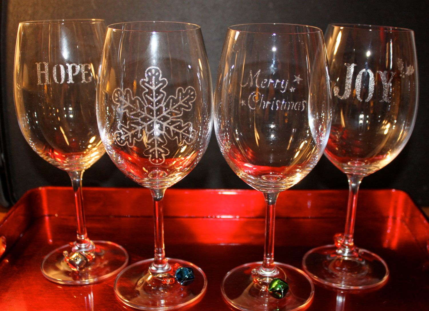 Set Of 4 Holiday Hand Painted Wine Glasses With Charms Love Hand Painted Wine Glasses Painted Wine Glasses Painting Glassware