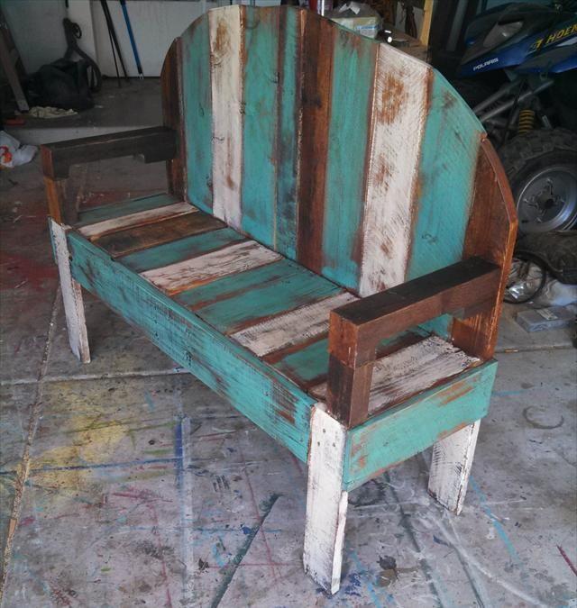 DIY Rustic Pallet Bench.