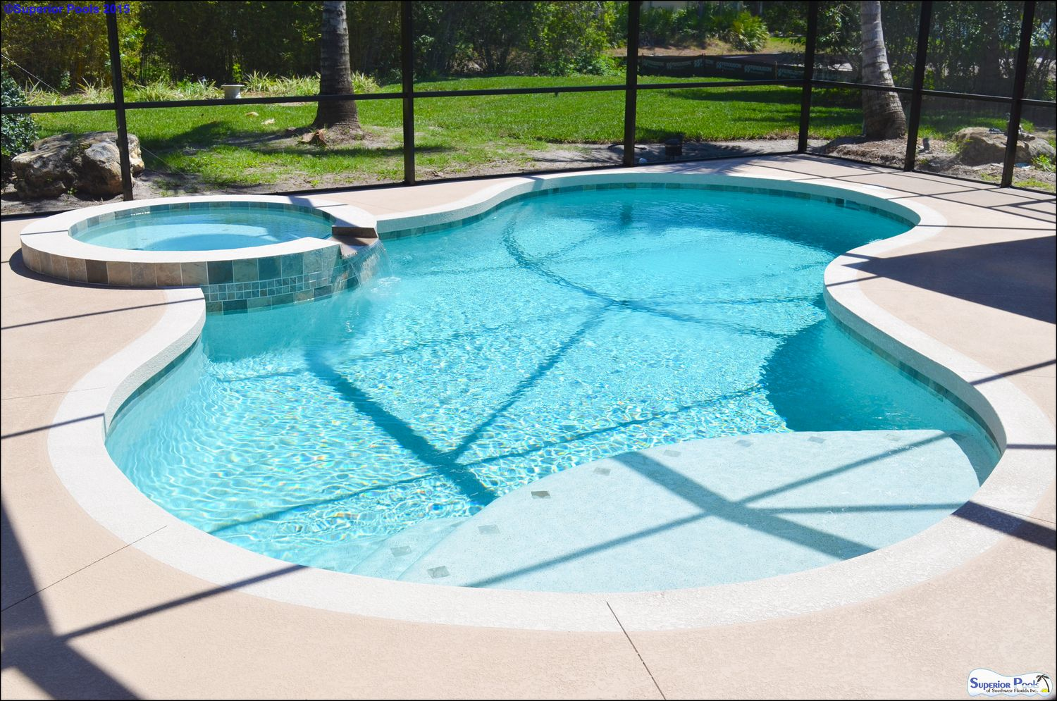 Custom Swimming Pool Spa With An Concrete Deck Two Tone Band Custom Swimming Pool Pool Swimming Pool Designs