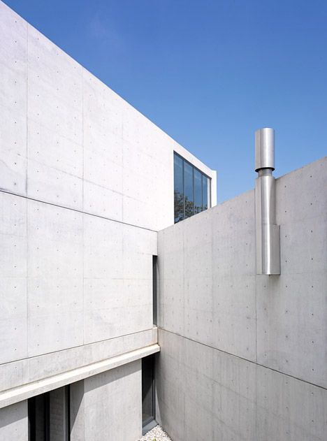 Tadao Ando S Casa Monterrey Nestles Against A Hillside In Mexico Http Www Beautyandhairstyle Concrete Architecture Tadao Ando Modern Japanese Architecture