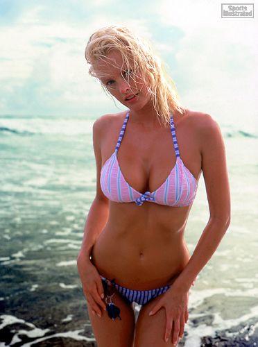 Kylie bax sexy