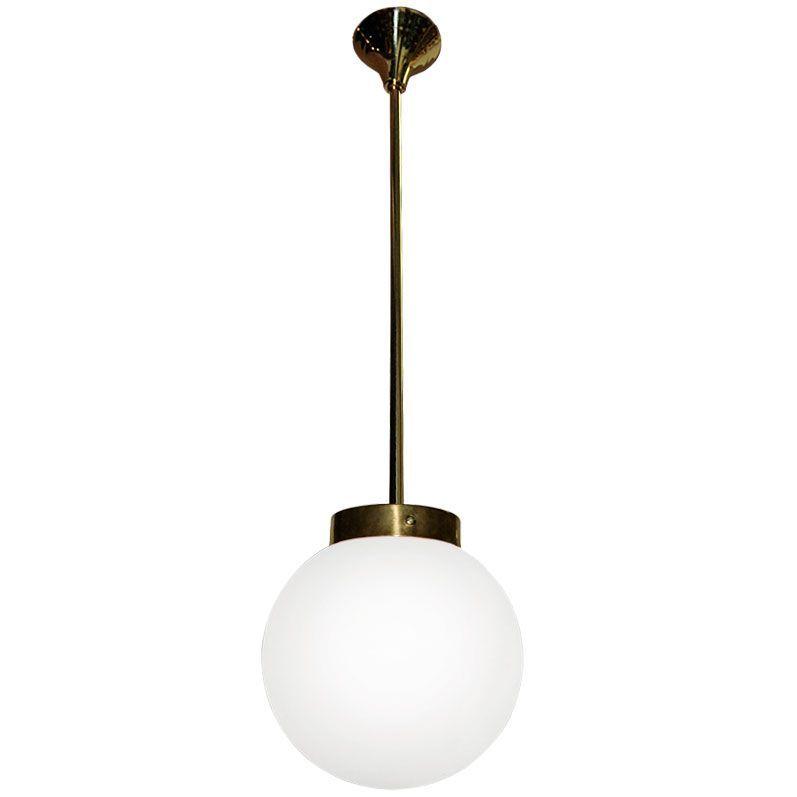 Lampara Colgante Globo Cristal Opalo Laton Envejecido 30cm Lamparas Colgantes Lamparas De Techo Lampara Colgante