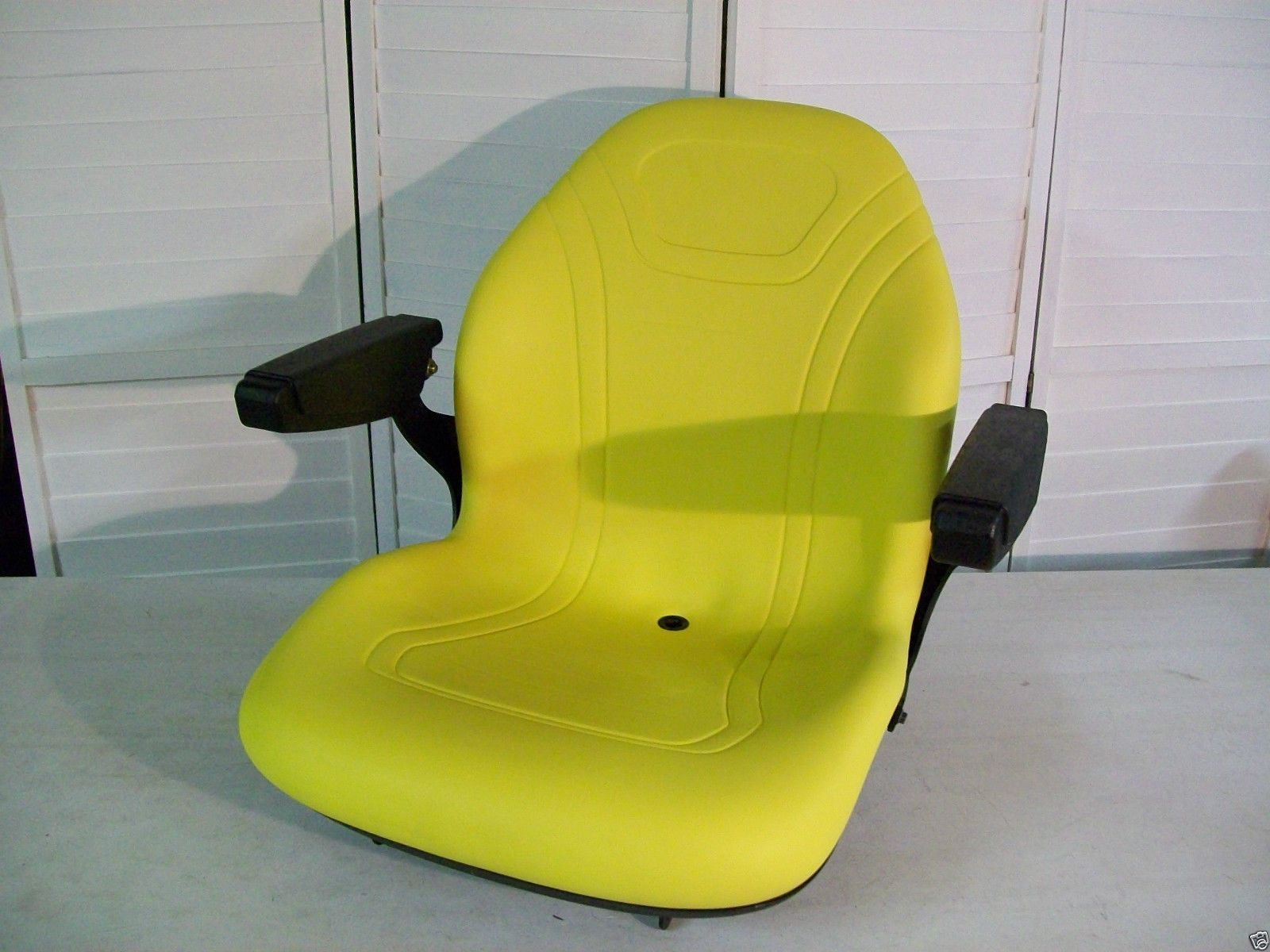 John Deere Tractor Seats Replacement 5310 Model : High back replacement seat with arm rests to fit john