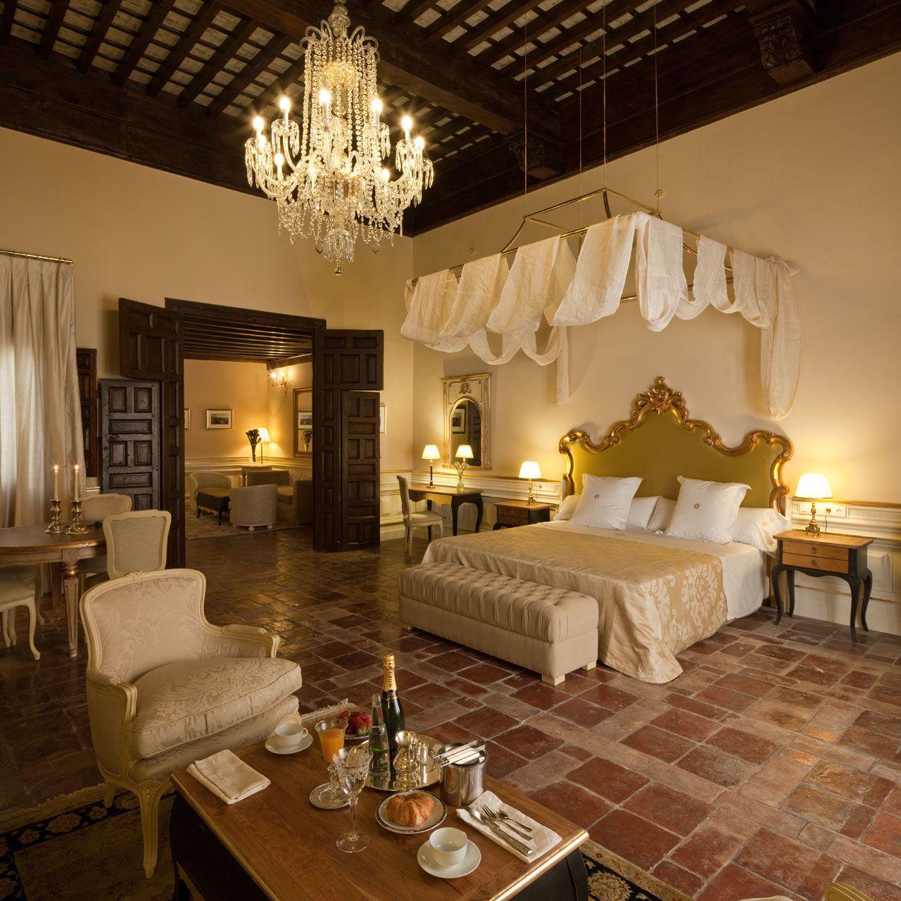 Hotel En Granada Situado A Los Pies De La Alhambra