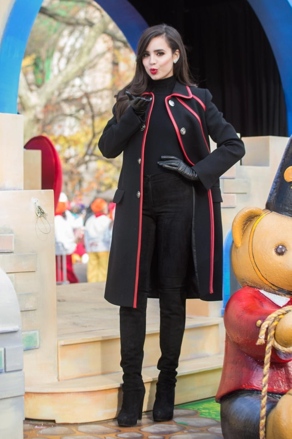 Millions Attend Macy S Thanksgiving Day Parade 2015 Sofia Carson Macy S Thanksgiving Day Parade Sofia