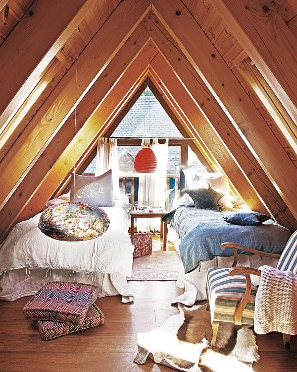 Un Dormitorio En La Buhardilla Dormitorios Interiores De Casa Interiores