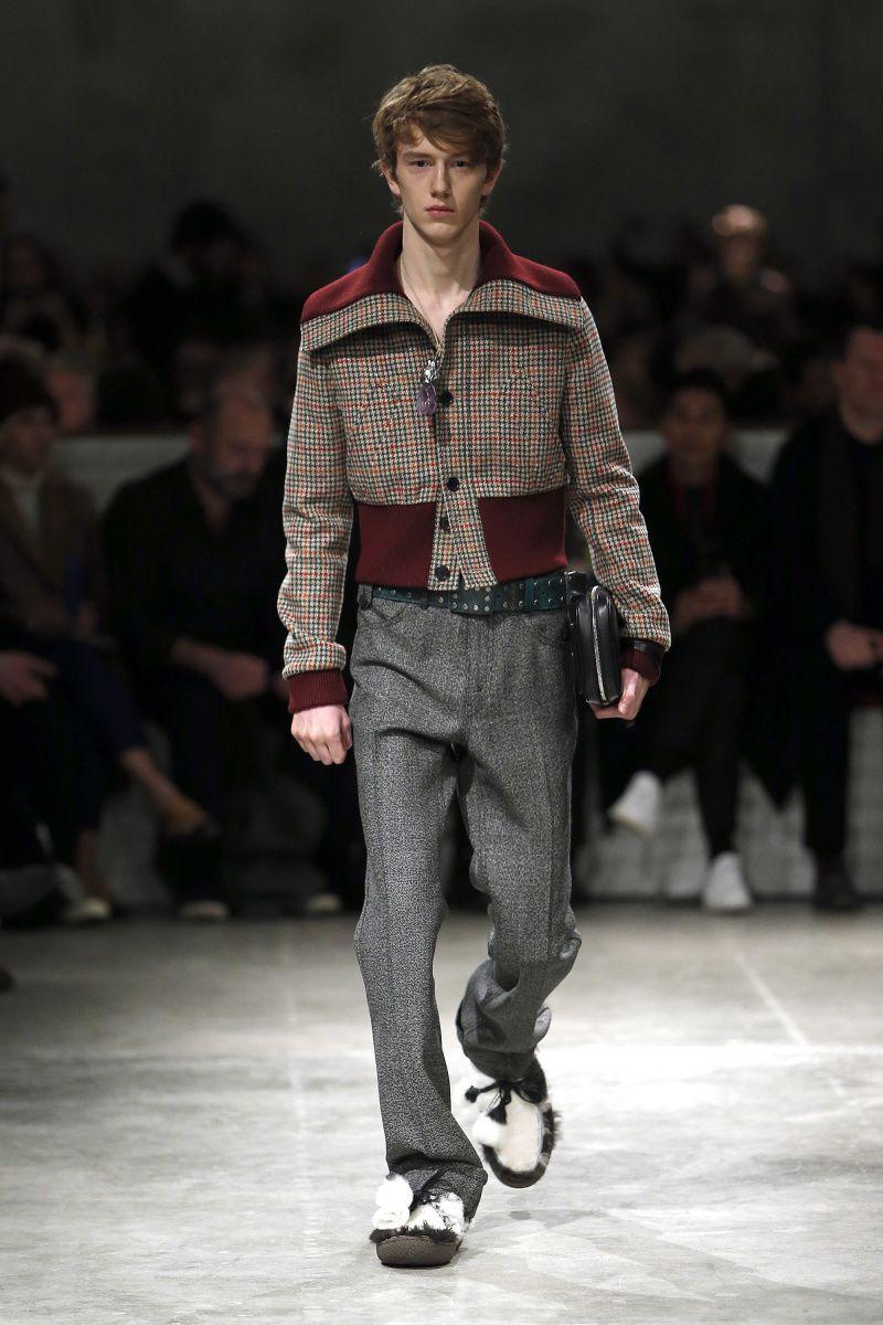 26cfe185a7b10 Prada   Menswear - Autumn 2017   Look 31