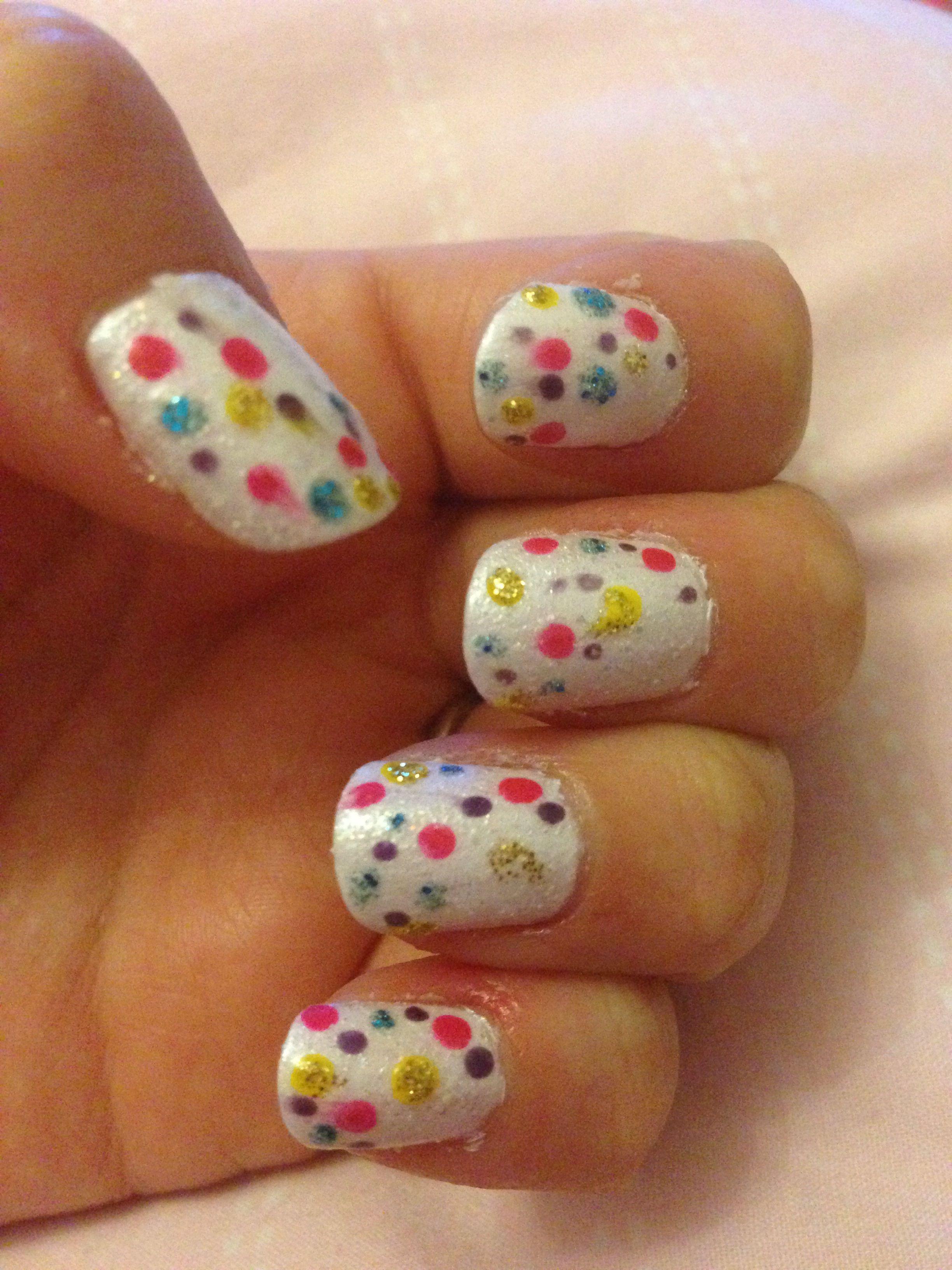 Spotty  nail art