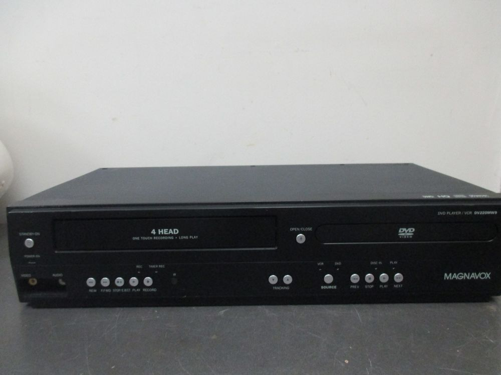 Magnavox Dv220mw9 Vhs Dvd Combo Vcr Player Tested Working Condition No Remote Magnavox Vcr Player Vhs To Dvd Dvd Player