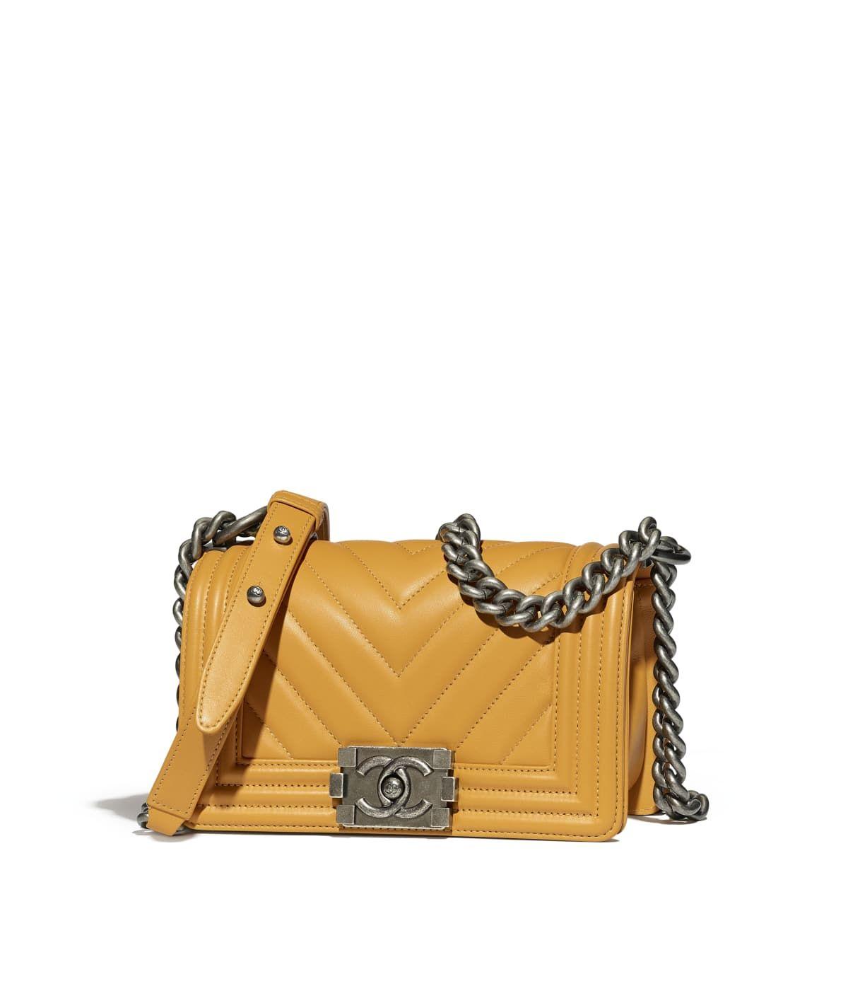 5cdf599ad081ee Handbags of the Métiers d'Art Paris-Hamburg 2017/18 CHANEL Fashion  collection : Small BOY CHANEL Handbag, calfskin & ruthenium-finish metal,  yellow on the ...