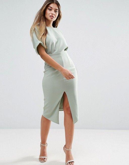 Compra Vestido con efecto movimiento y abertura delantera de ASOS en ASOS.  Descubre la moda online.