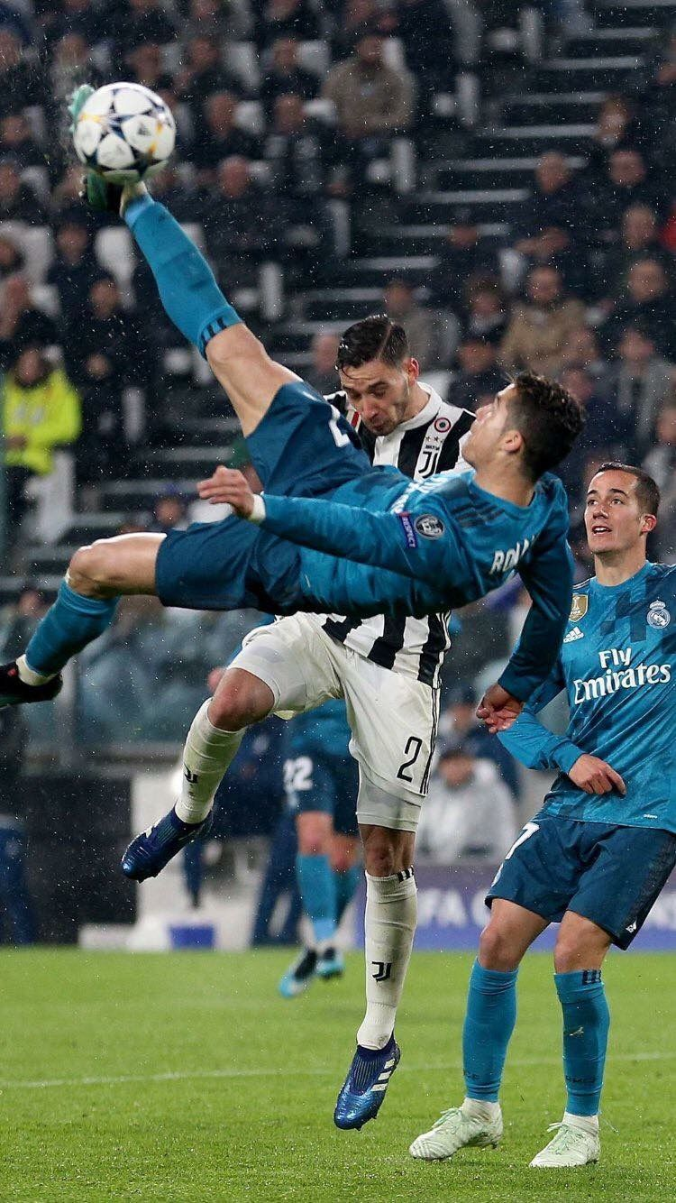 Ronaldo S Breathtaking Bicycle Kick Against Juventus Which Was Followed By An Overwhelming Standing Ronaldo Goals Ronaldo Real Madrid Cristiano Ronaldo Goals