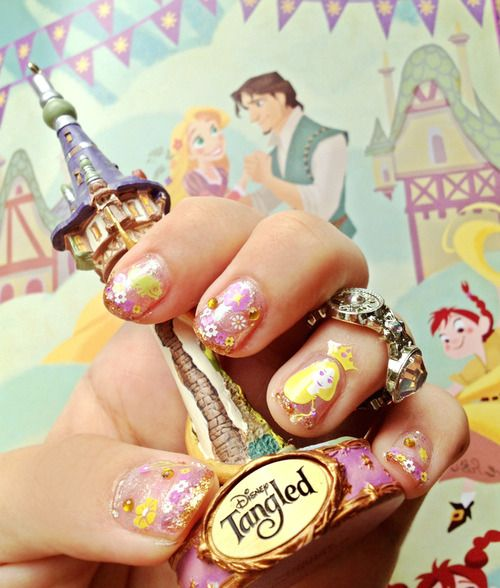 Rapunzel Nails: Amazing Tangled Nail Art But That Statuette.