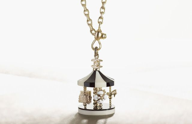 fa20d4b90a817c Chanel Fall/Winter 2008/9 Carousel Fashion Show and Necklaces ...