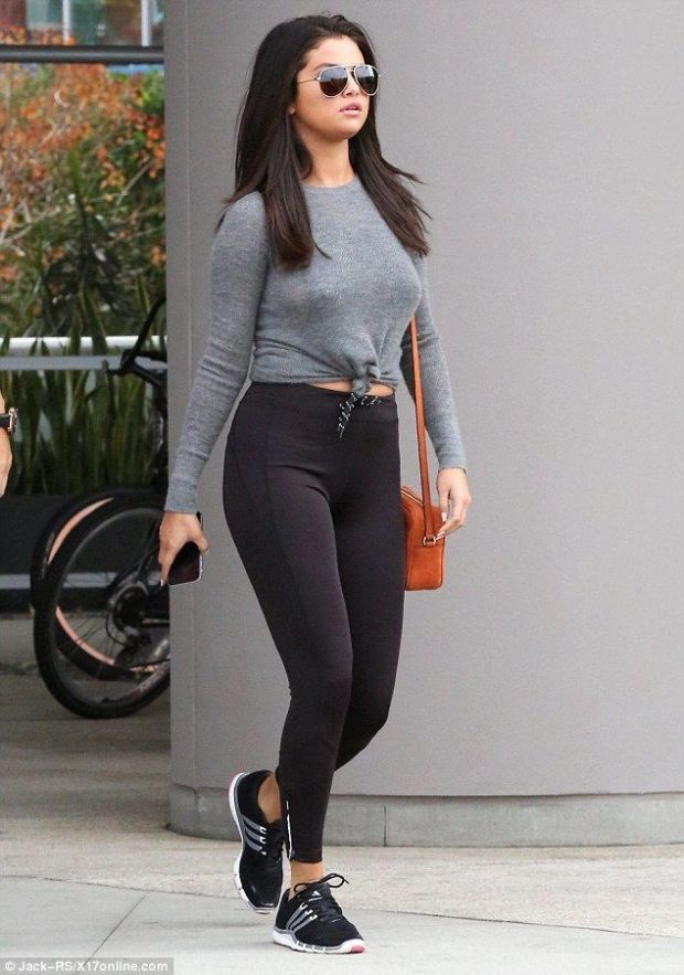 9 Celebs Who've Worn Leggings in Public (& Looked Good Doing It!): Her Campus waysify