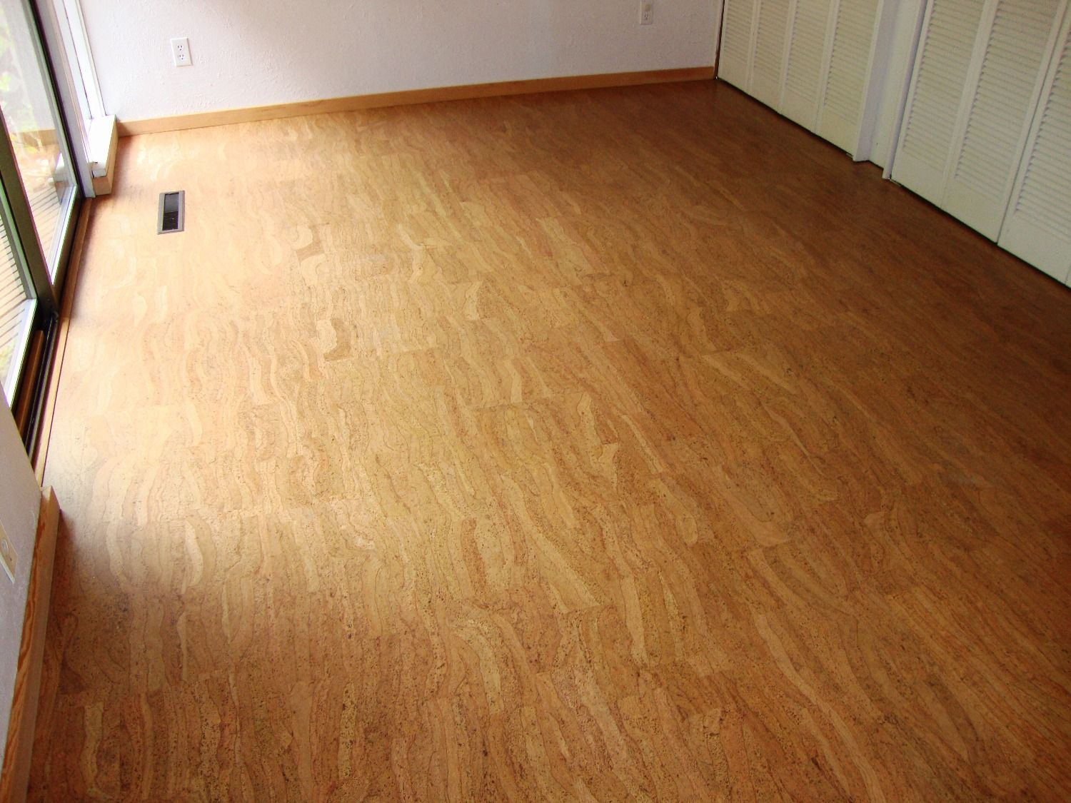 Cork Can Come In Many Interesting Colors And Patterns Interior Floor Designs Seattle Floor Design Interior Floor Floor Installation