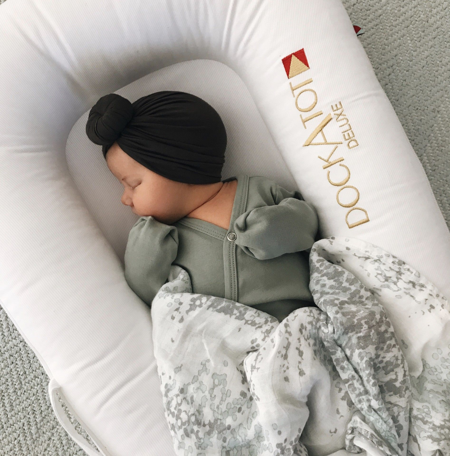 Love The Dock A Tot Co Sleeper For Newborn Days So Cozy And We  # Muebles Tot Stil