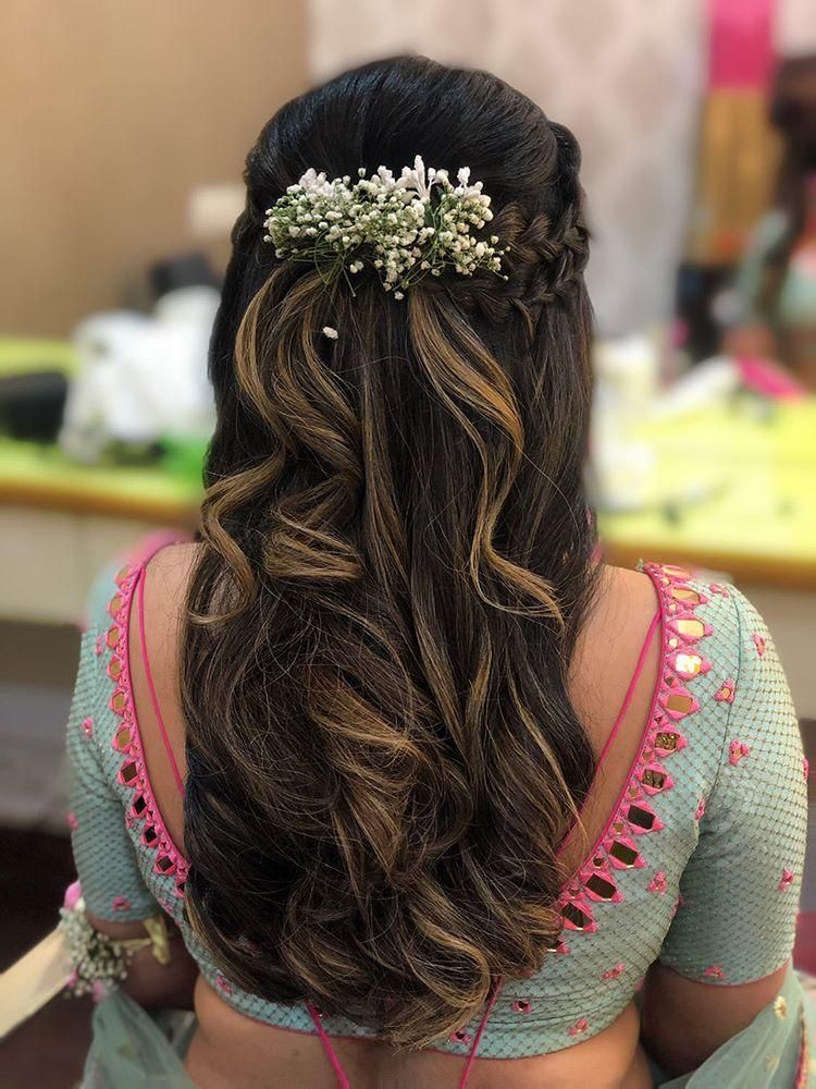 Baby's breath are a super cute addition to simple loose waves and enhance your hairdo in 2020 ...