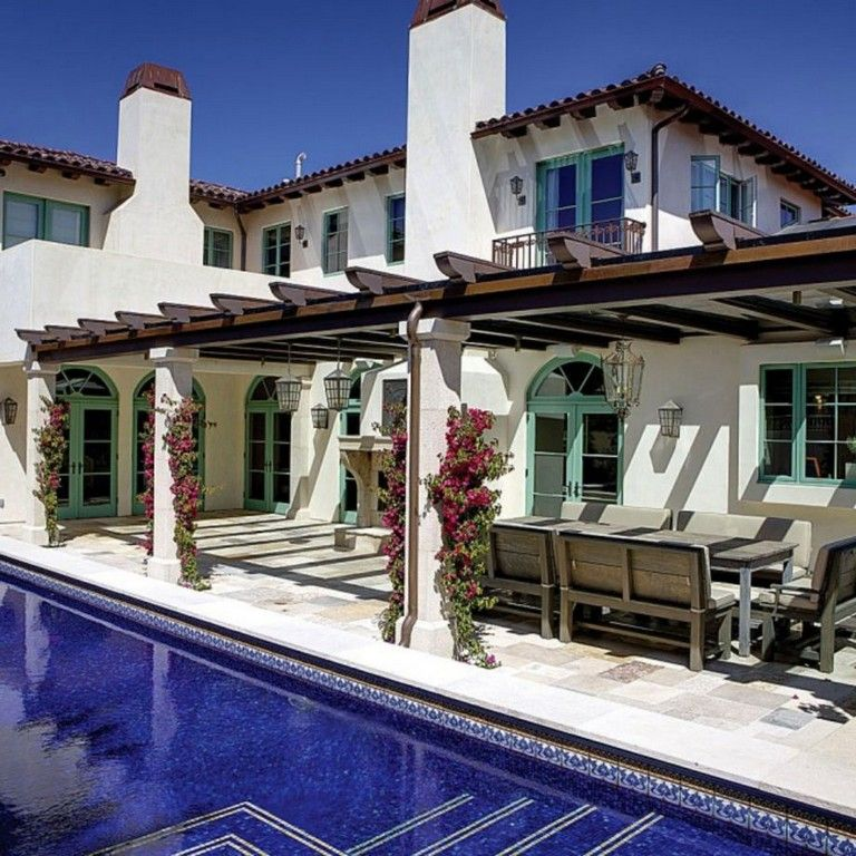 38 Awesome Spanish Style Exterior Paint Colors You Will Love Mediterranean Homes Mediterranean Homes Exterior Modern Mediterranean Homes