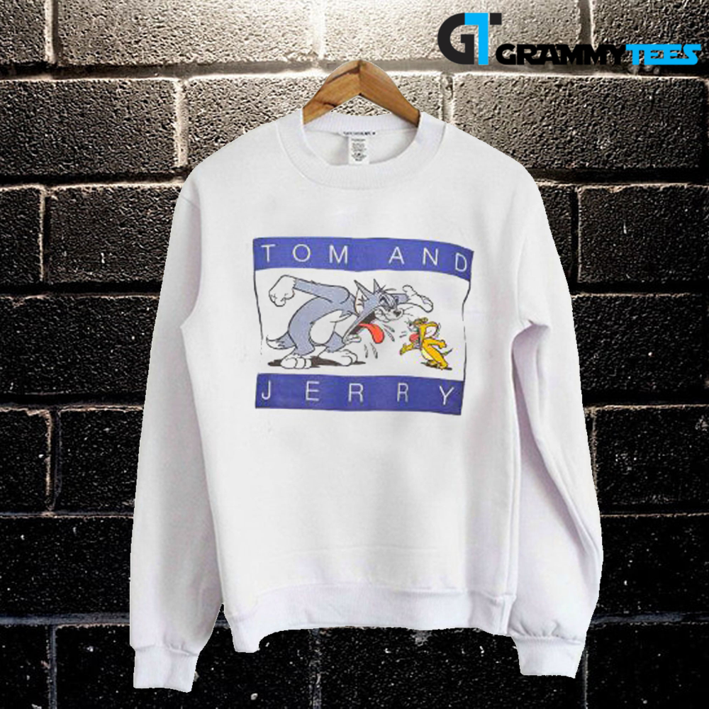 Tom And Jerry Graphic Sweatshirt In 2020 Graphic Sweatshirt Sweatshirts Sweatshirt Designs [ 1000 x 1000 Pixel ]