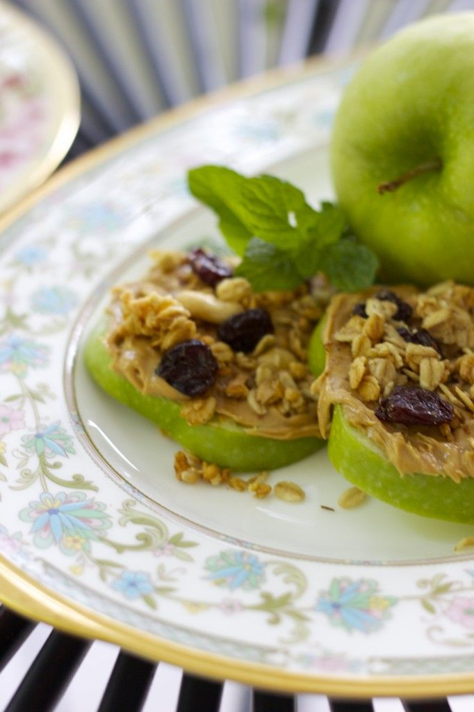 Granola and PB on Apples