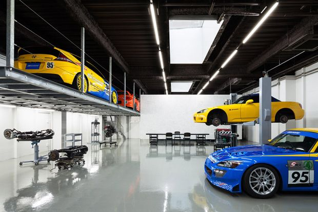 A Stunning Garage Speedshop Type e by Torafu Architects